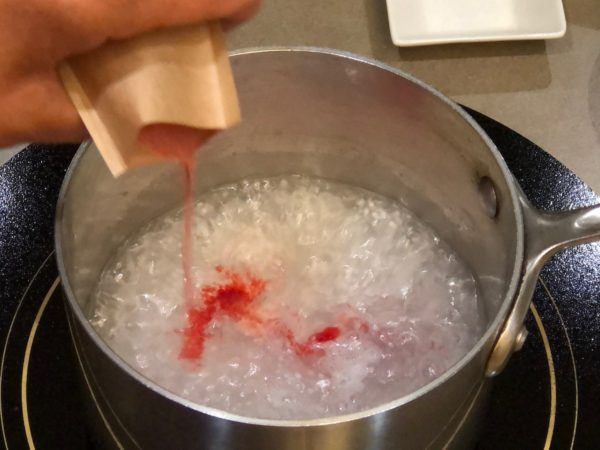 Add sugar-free gelatin to cooked tapioca water mixture.